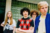 La estrella de Stranger Things protagonizó el nuevo video de Weezer