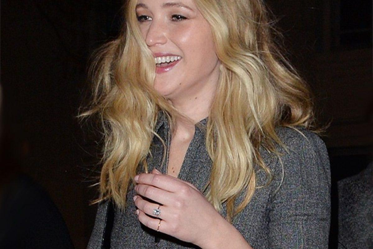 ¡Jennifer Lawrence, mostró su anillo de compromiso!