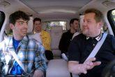 Mirá el Carpool Karaoke de los Jonas Brothers junto a James Corden